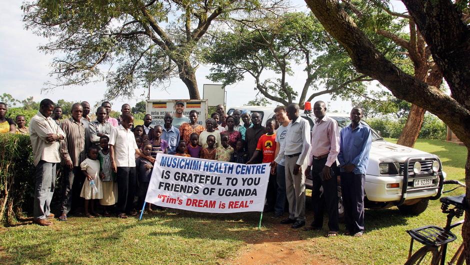 Das Fahrzeug wird künftig den Patiententransport der Musichimi-Klinik im Südosten Ugandas sicherstellen. Der Freundeskreis Uganda aus Geislingen hat es ans Ziel gebracht gebracht. © Foto: Freundeskreis Uganda